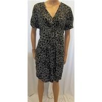 Mamas & Papas Size 12 Black and White Geometric Print Dress