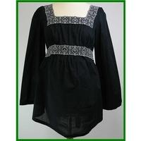 Moda by Mothercare - Size: 10 - Black Top
